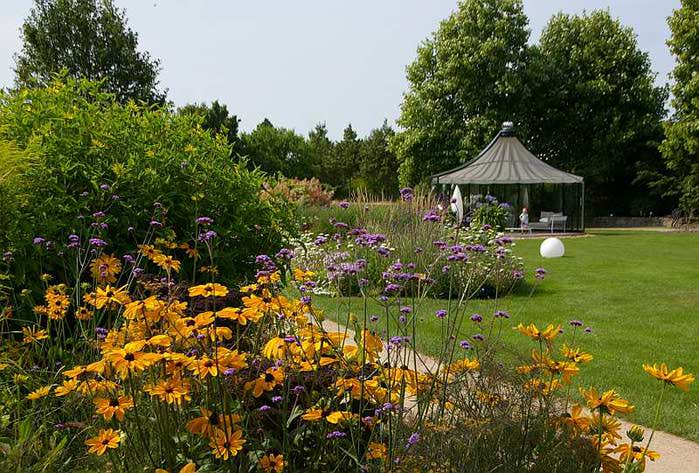 Бад Цвишенан : Park der Garten 14104