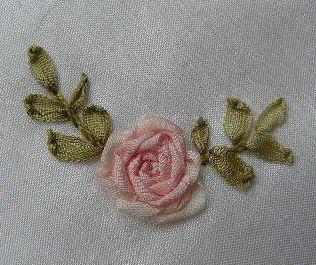 вышивка лентами-мастер класс-цветы (316x265, 34Kb)