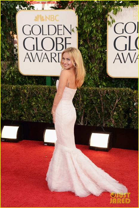 hayden-panettiere-golden-globes-2013-red-carpet-05 (466x700, 108Kb)