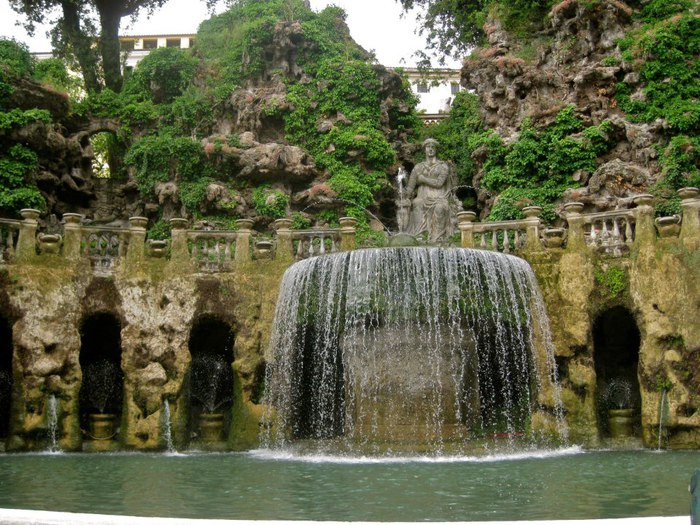 Italy, Tivoli, fountain in the garden d'Este (700x525, 136Kb)