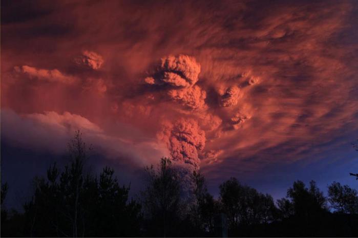 Извержение вулкана Пуйеуэ в Чили (700x465, 26Kb)