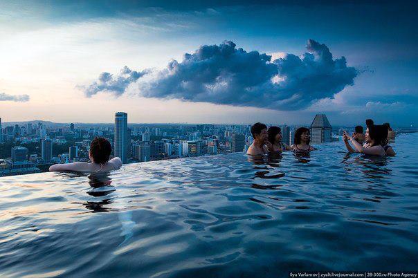 Отель Marina Bay Sands, бассейн под облаками, Сингапур (604x402, 42Kb)
