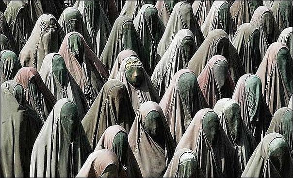 женщины в исламе/4171694_islam_i_jenshini (604x366, 129Kb)