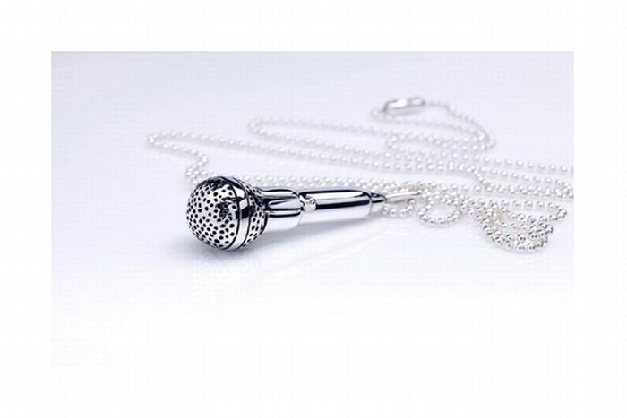 1271881497_music_theme_silver_jewelry_06 (700x467, 26Kb)
