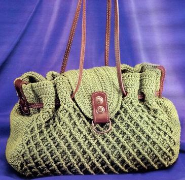 разных вязанных сумок.