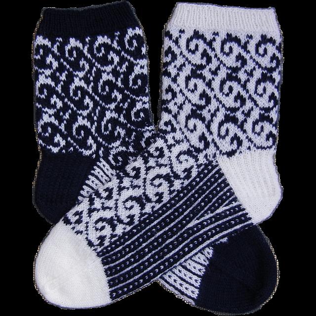Senta_mirrored_socks_medium2 (640x640, 728Kb)