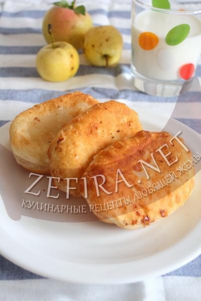 Сладкие пирожки с яблоками