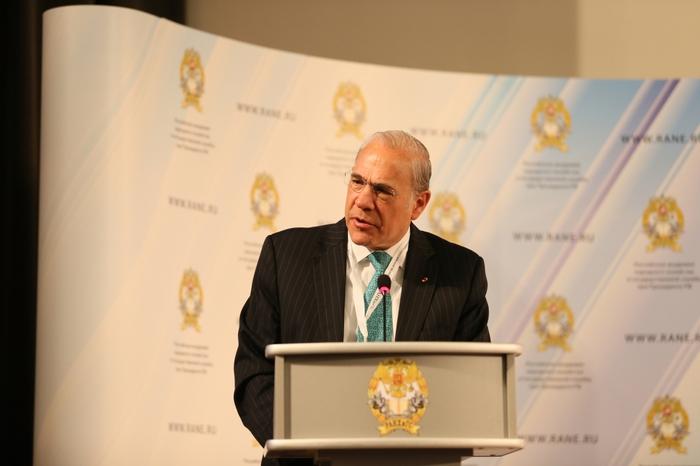 Гайдаровский форум-2013: конкуренция за человека - фото 1