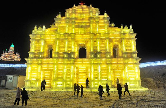 фестиваль ледяных скульптур харбина 8 (700x455, 66Kb)
