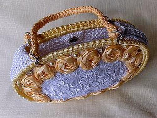 сумочка из атласных лент +