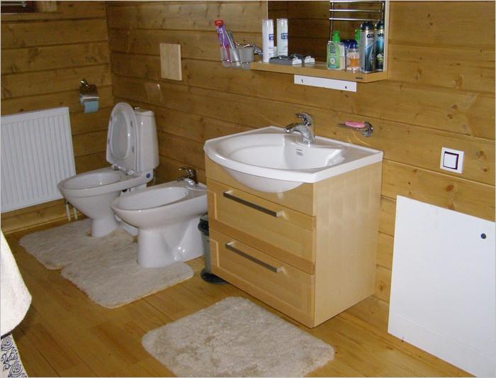Сделать Полы в ванной комнате в доме