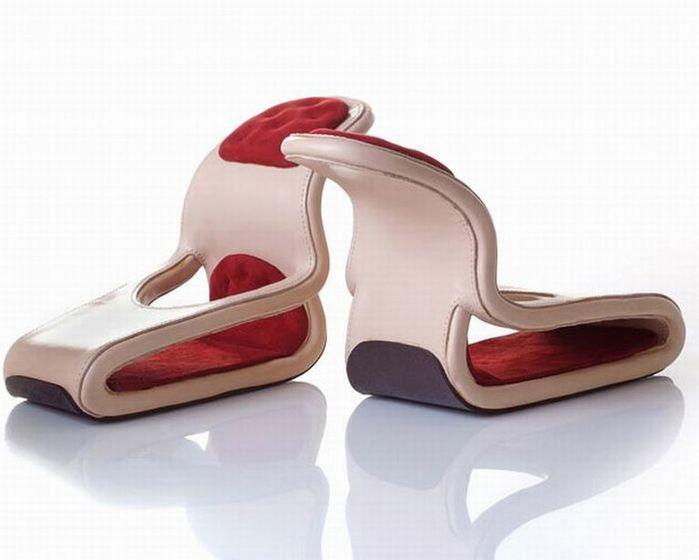 Смешная обувь со всего света 1 (700x560, 32Kb)