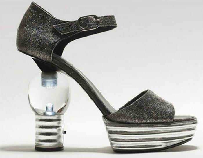 Смешная обувь со всего света 2 (700x545, 39Kb)
