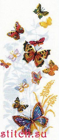 """Новый процессик  """"Бабочки России """" от фирмы Риолис.  О шарах не забываю, шью потихоньку, но сейчас совсем времени мало..."""