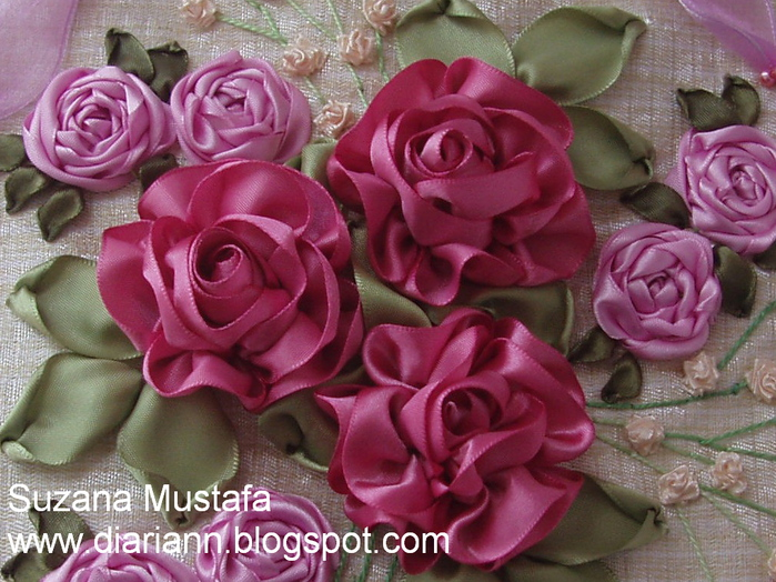 вышивка лентами-мастер класс-цветы (700x524, 228Kb)