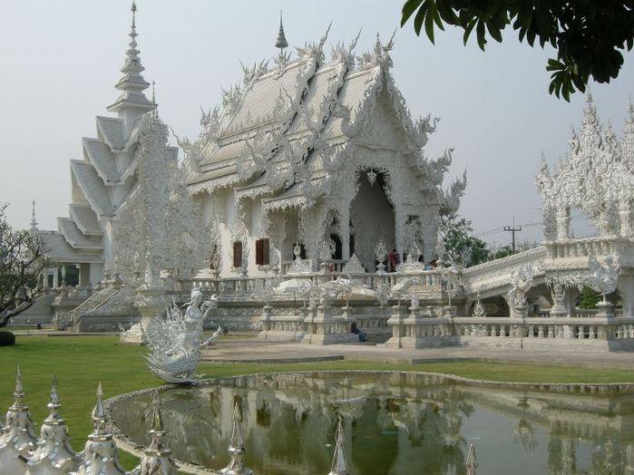 4646070_Wat_Rong_Khun_4 (700x524, 74Kb)