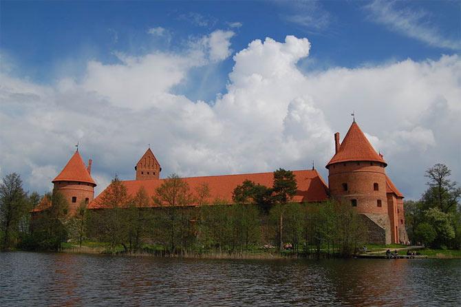 тракайский замок литва фото 1 (670x446, 57Kb)