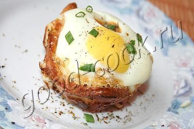 яйцо в хлебной чашечке1 (400x267, 18Kb)