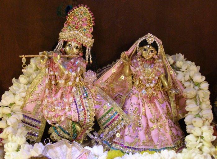 ______1VT2011_RadhaGovindajiDiwali (700x513, 105Kb)