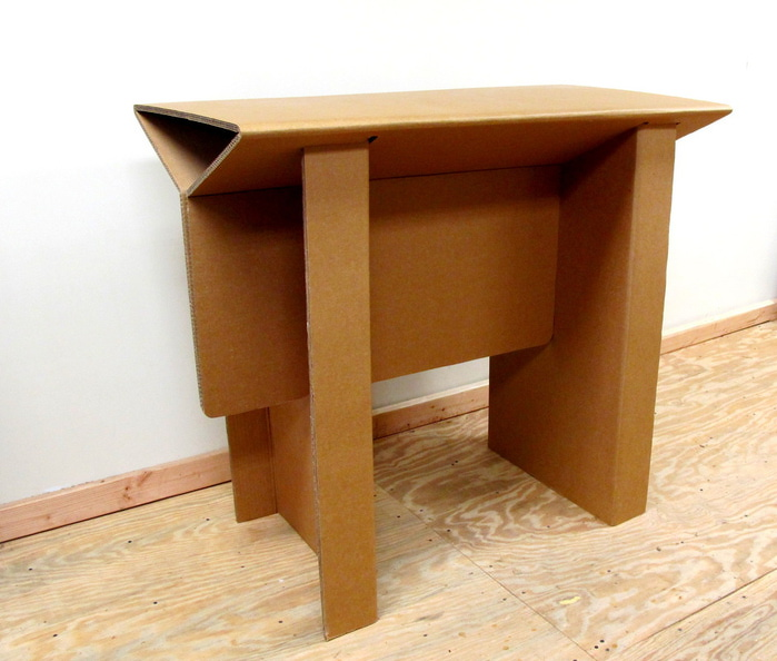 мебель из гофрированного картона Chairigami 5 (700x594, 115Kb)