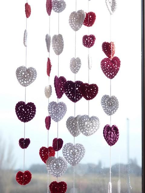Ажурные сердечки, связанные