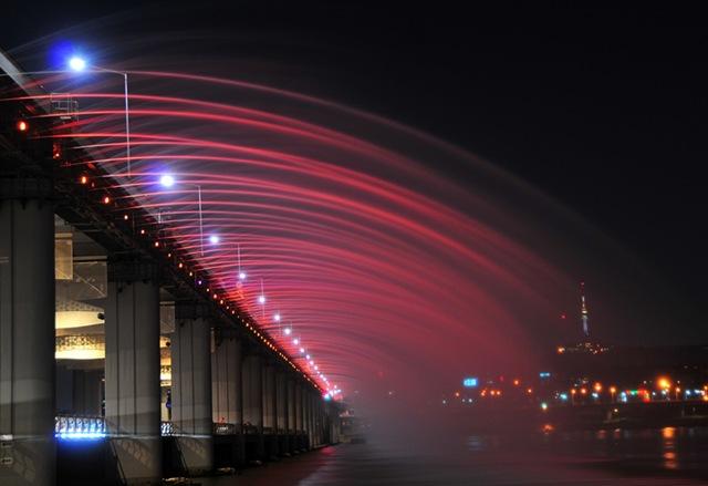 мост бонпо в сеуле фото 1 (640x439, 57Kb)