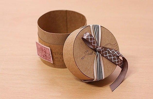 Сделать подарочную коробку круглую своими руками