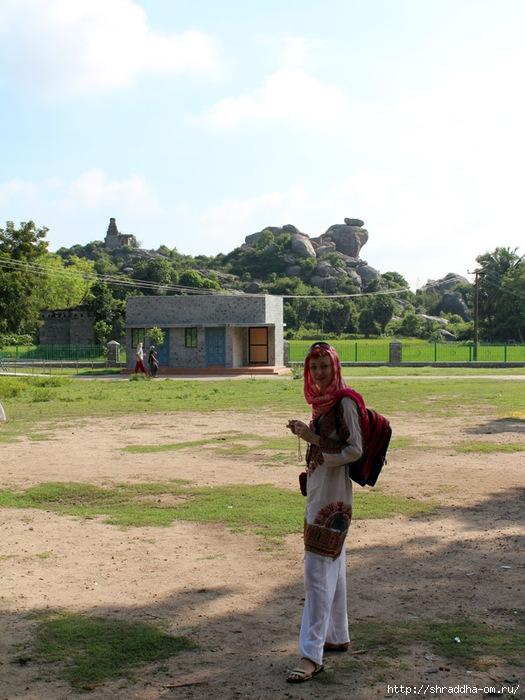 Крепость Джинджи, Индия, 2 (525x700, 254Kb)