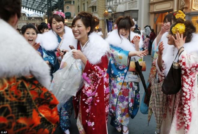 день совершеннолетия в японии фото 5 (660x447, 92Kb)
