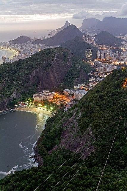 Рио-де-Жанейро, Бразилия (427x640, 78Kb)
