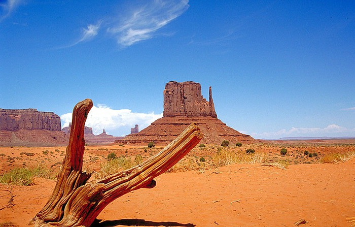 800px-Monument_Valley_2 (700x447, 111Kb)