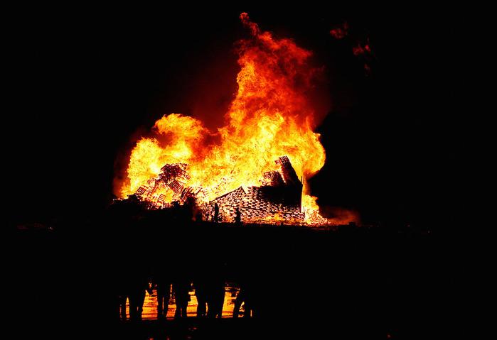 огненная башня Олесунн фото 7 (700x479, 72Kb)