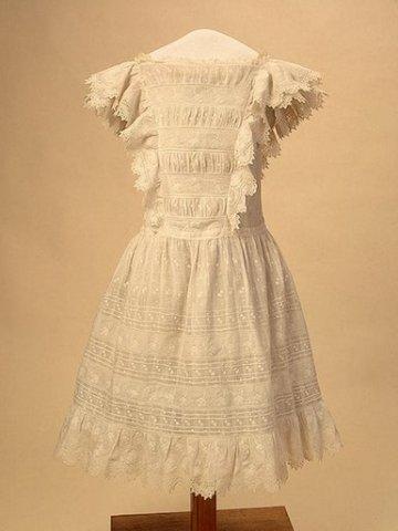 dress 90 cm batist kruzevo (360x480, 24Kb)