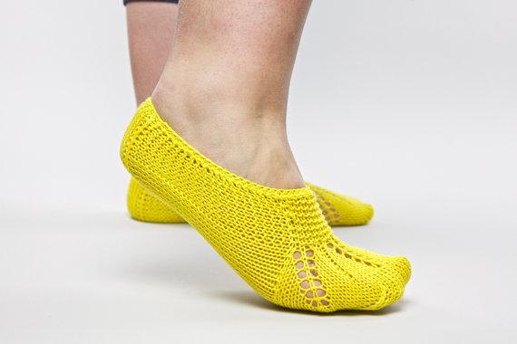 тапочки желтые (570x380, 34Kb)