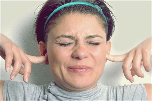 Женщины очень чувствительны к шуму в состоянии стресса. Фотографии