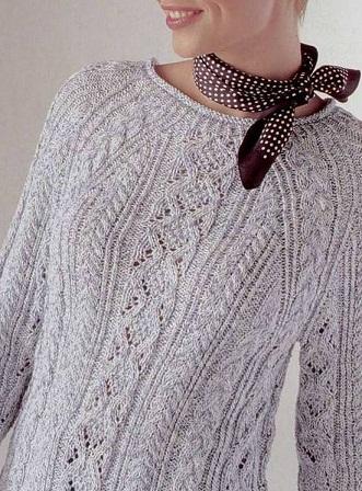 Пуловер с косами и рукавом