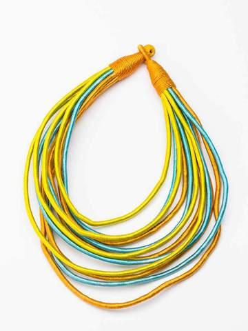large_этническое-желто-голубое-колье-из-ткани-и-ниток (360x480, 21Kb)