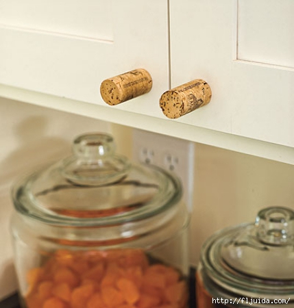 wine-cork-projects-cabinet-door-knobs-from-My-Home-Ideas (429x450, 95Kb)