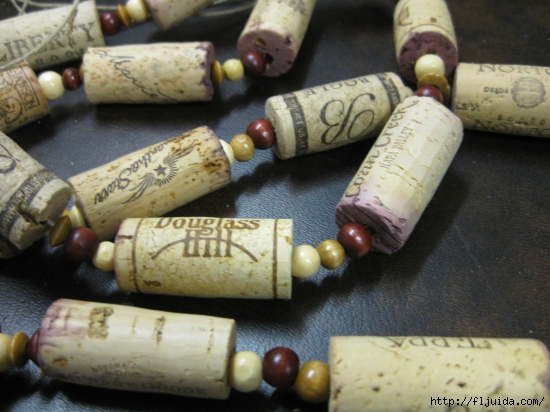 wine-cork-projects-cork-garland-from-the-wooden-bee (550x412, 194Kb)