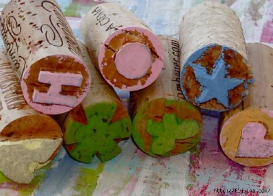 wine-cork-projects-wine-cork-mini-stamps-from-lil-blue-boo (550x394, 178Kb)