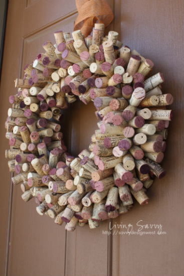 wine-cork-projects-wine-cork-wreath-from-living-savvy (367x550, 203Kb)