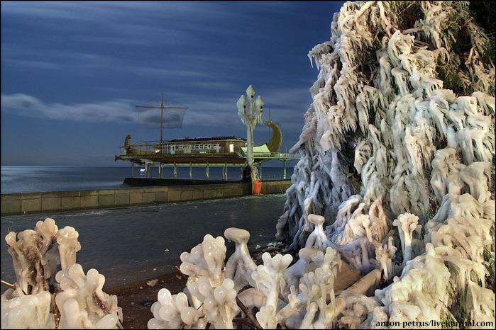 зимняя ялта фото 5 (700x466, 161Kb)