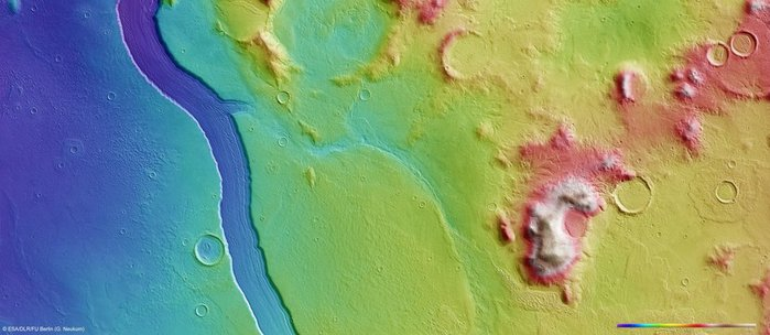 865834_Topographic_view_of_Reull_Vallis_fullwidth (700x304, 47Kb)