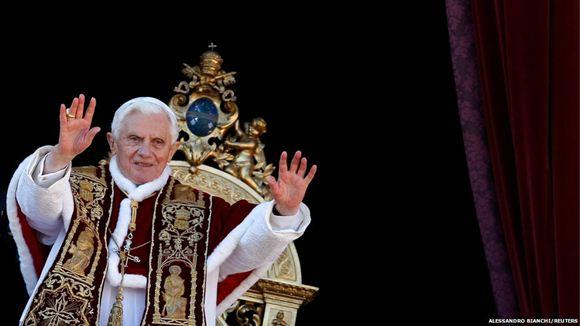 Шутки в Твиттере по поводу отречения папы римского