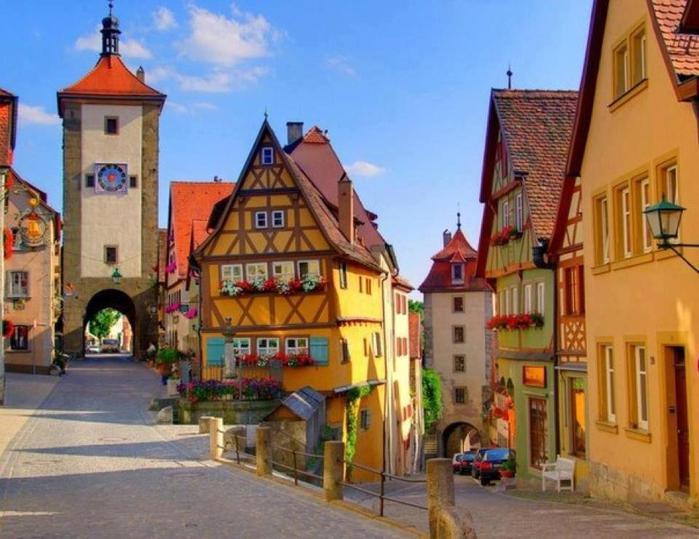 Сказочный городок Ротенбург-об-дер-Таубер в Германии (700x539, 61Kb)