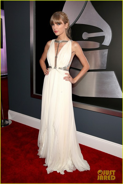 taylor-swift-grammys-2013-red-carpet-08 (468x700, 64Kb)