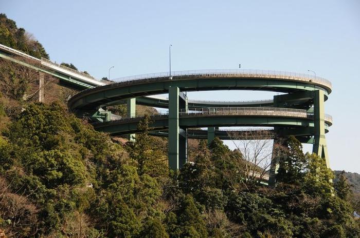 спиральный мост Kawazu-Nanadaru япония фото (700x464, 116Kb)