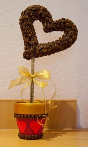 кофейное деревце валентинка (24) (305x506, 34Kb)