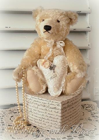 teddy bear with heart[4] (342x480, 62Kb)