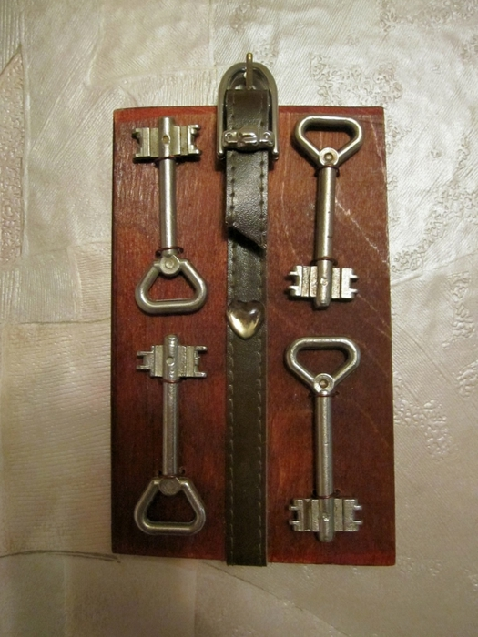 Поделки из старых ключей своими руками 35